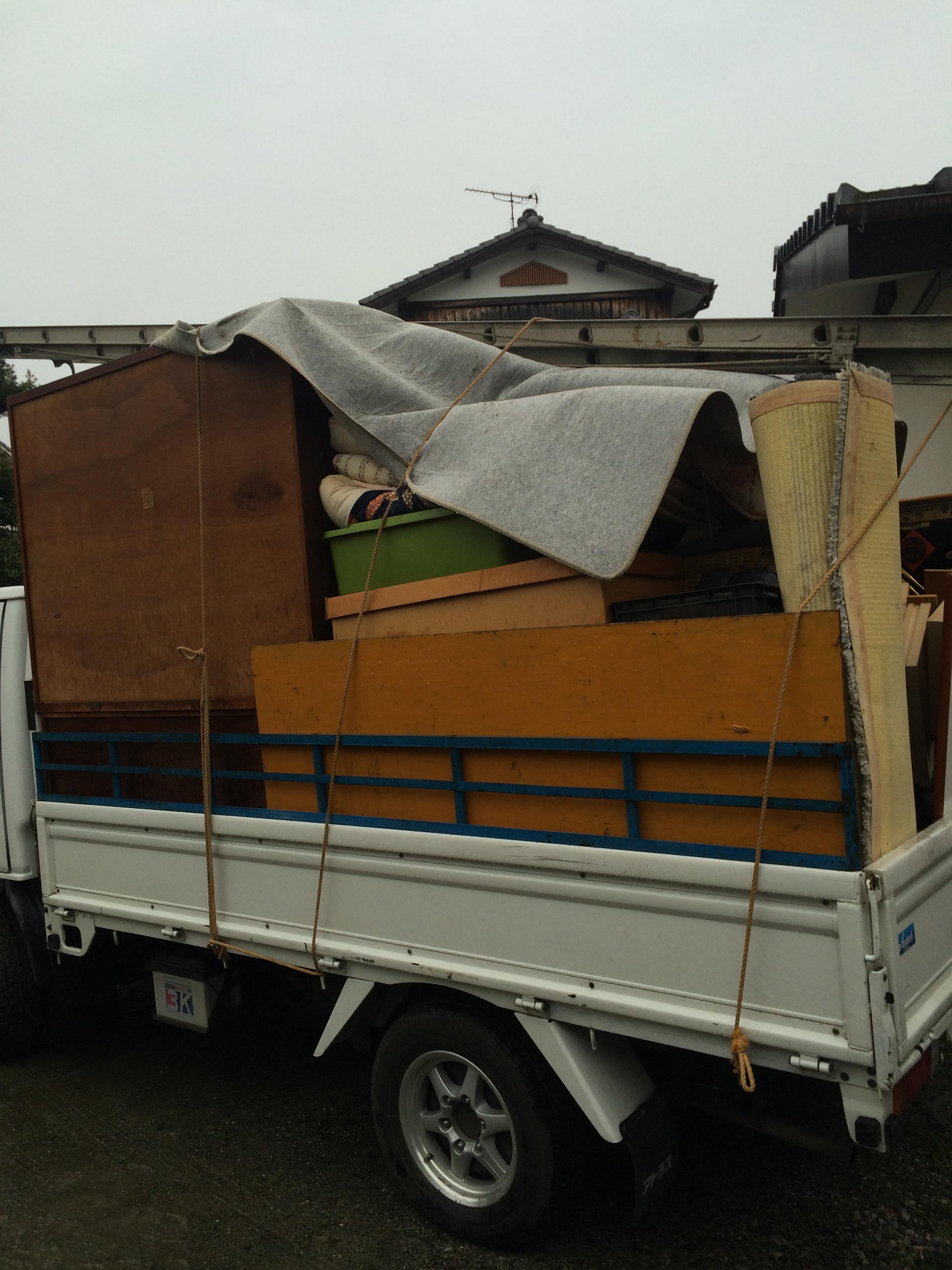 福岡引越しゴミ回収、引越しゴミ回収福岡、粗大ゴミ回収、不用品回収福岡、飯塚不用品回収、北九州不用品回収